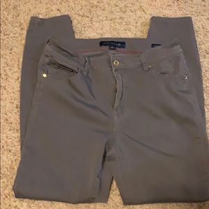 Women's Tommy Hilfiger Ankle Pants Size 8